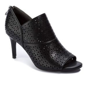 Andrew Geller Black Heeled Perforated Shoes